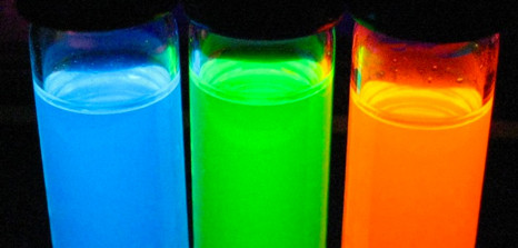 Quantum Dots emit much brighter and longer-lasting fluorescence than the dyes typical used in STORM imaging. (Nanotech Magazine)